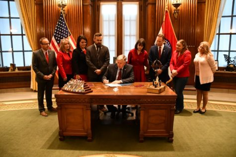 Missouri Governor Signs New Abortion Bill