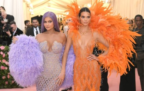 NEW YORK, NEW YORK - MAY 06: Kylie Jenner and Kendall Jenner attend The 2019 Met Gala Celebrating Camp: Notes on Fashion at Metropolitan Museum of Art on May 06, 2019 in New York City. (Photo by Neilson Barnard/Getty Images)